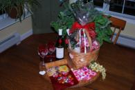 Holiday wine baskets from Dragonfly Winery and farm